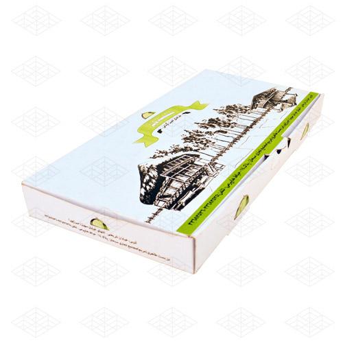 جعبه کترینگ لمینیتی یک جعبه کارتنی مخصوص غذاهای بیرون بر با حجم بالاست. این جعبه می تواند یکی از بهترین پیشنهادات به رستوراندارانی باشد که به دنبال یک جعبه با قابلیت نگهداری بالا حین حمل و نقل و یا دارای ظروف و غذاها با وزن بالا هستند.